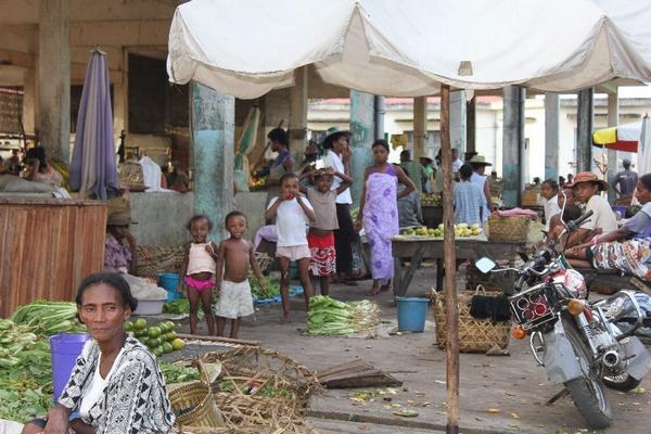 marché d'Alakamisyambohimaha
