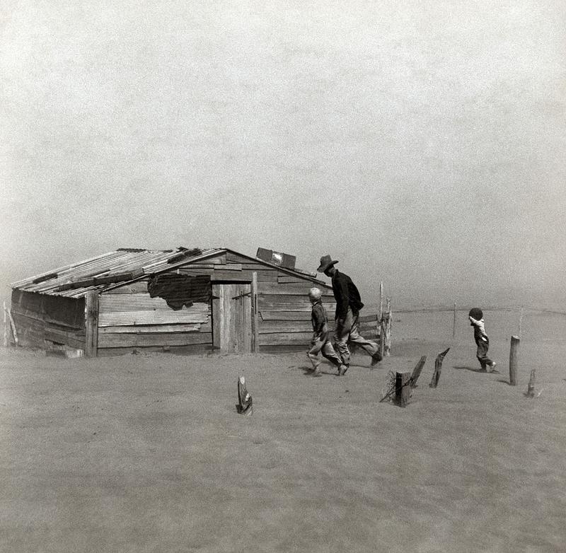 Fermier et ses enfants pris dans une tempête de poussière dans le comté de Cimarron Oklahoma